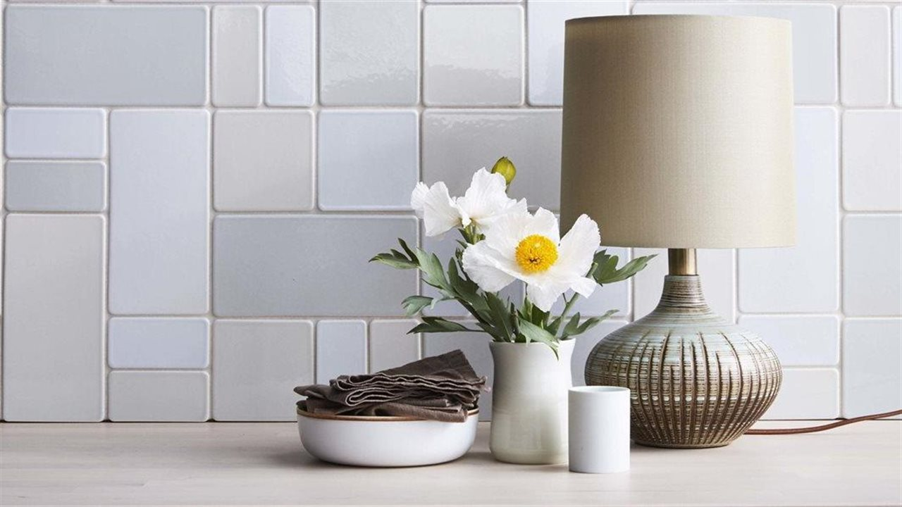 5 ways to create an inviting room using tile