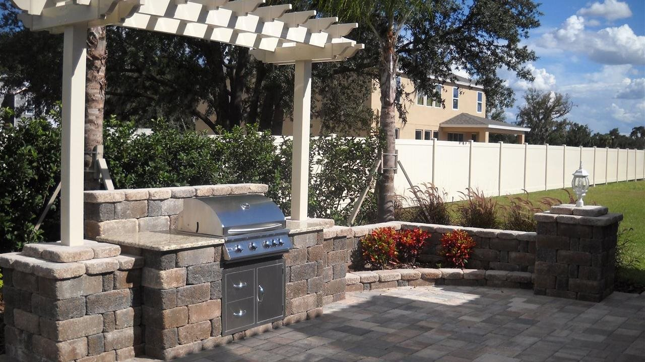 Move Your Kitchen Outdoors with a Grill Station