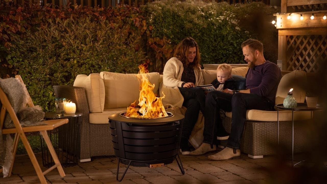 Instantly Unwind in the Backyard with Next Generation Fire Pit