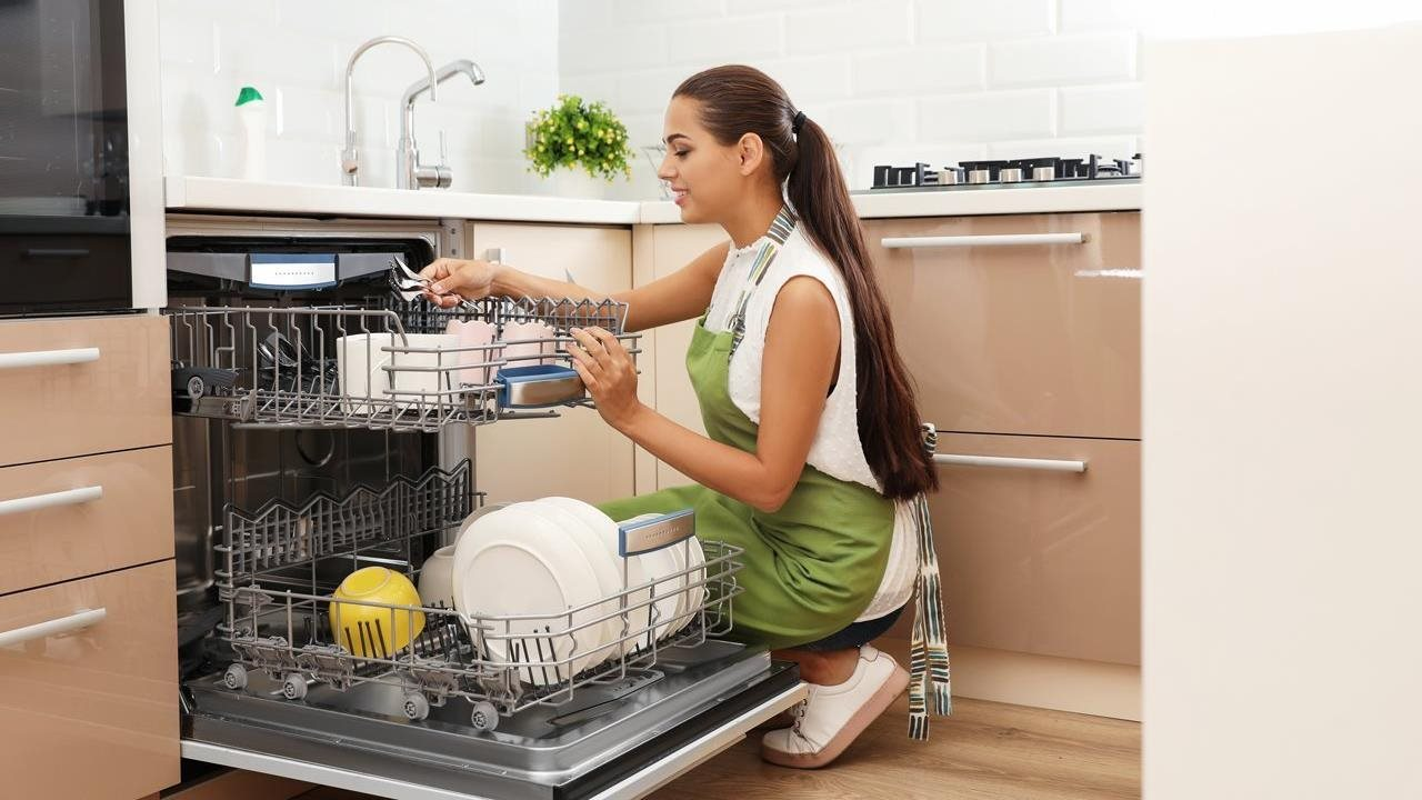 3 Water-Savings Tips That Simplify Your Cleaning Routine