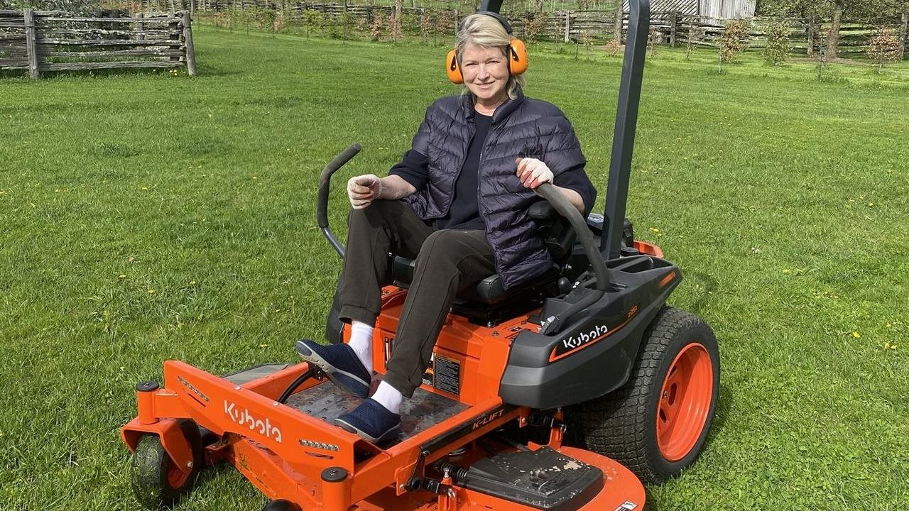 Lawncare tips from domestic pro Martha Stewart herself
